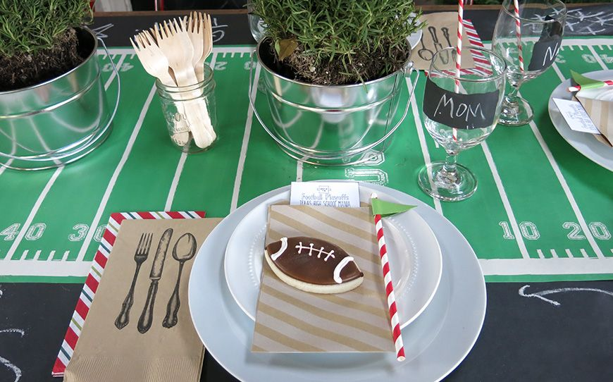 Football party table settings