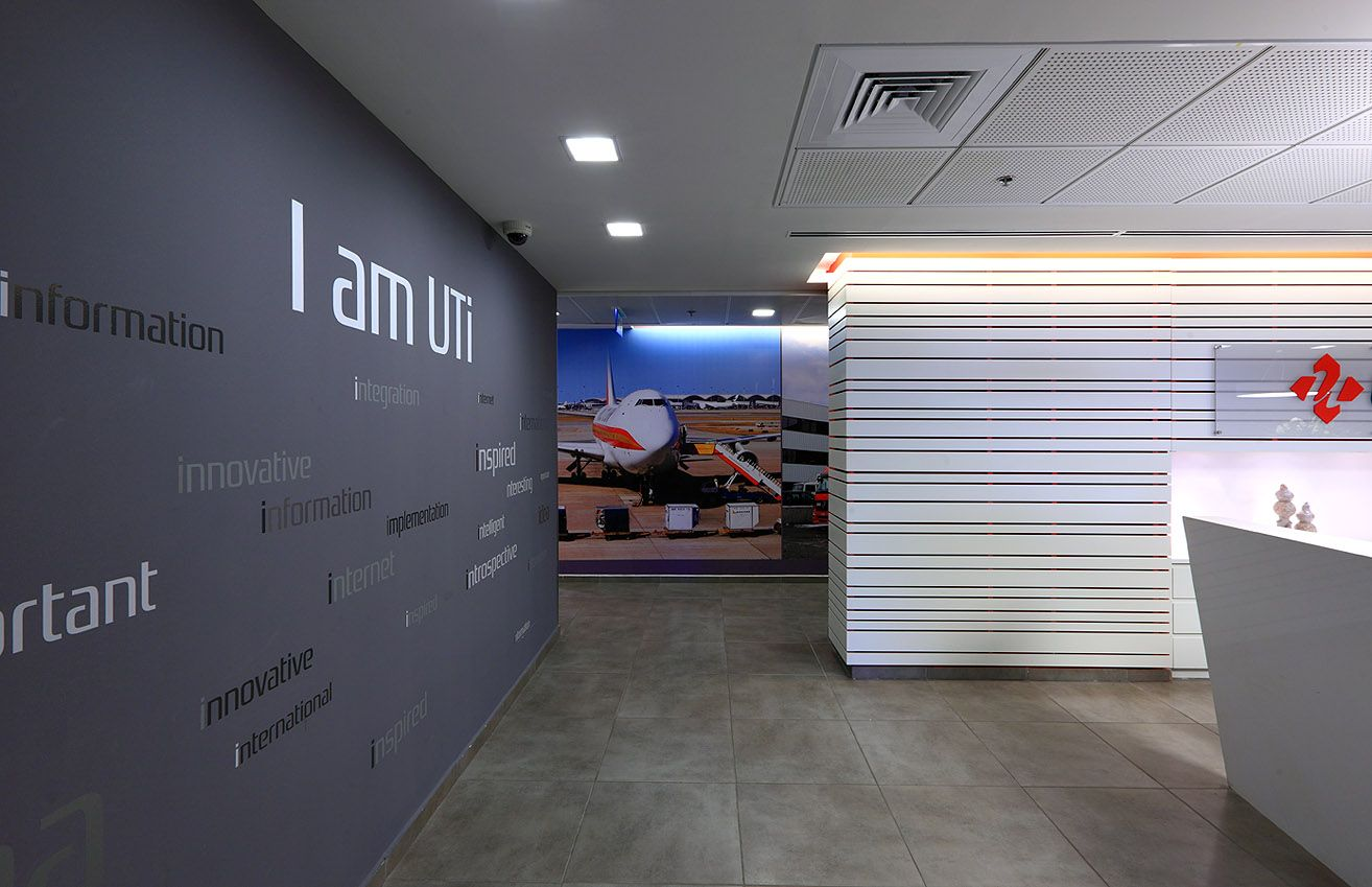 Environmental Graphic Design - UTI shipping company, Israel ...