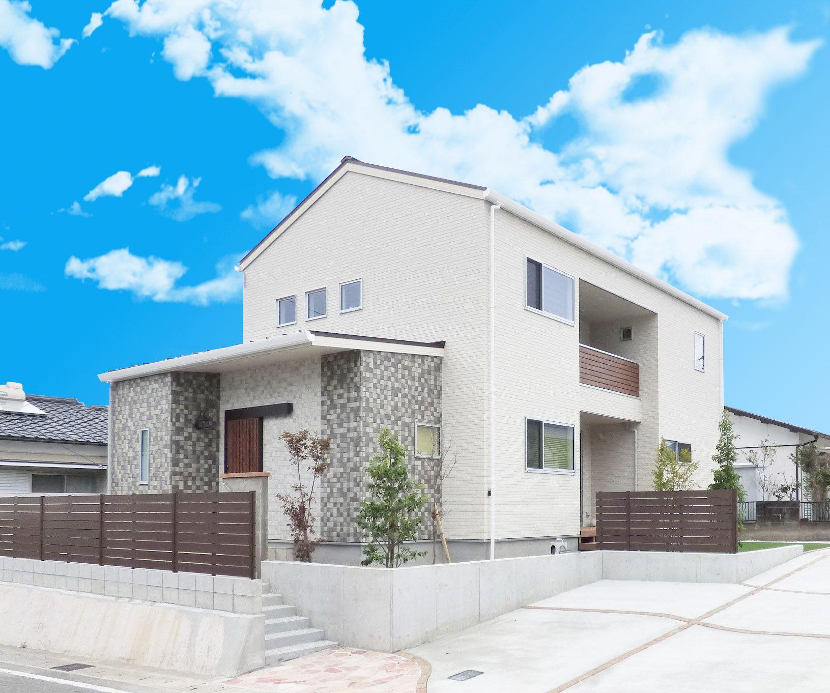 木のぬくもりと空気が心地良い36坪の2階建て ホームウェア