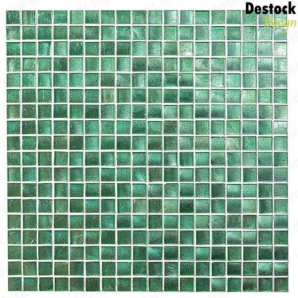 mosaque de couleur unie vert meraude en pte de verre une couleur lumineuse et zen pour votre salle de bain - Salle De Bain Mosaique Verte