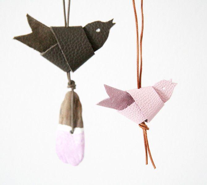 knotenvogel leder von gutegaben auf halle basteln. Black Bedroom Furniture Sets. Home Design Ideas