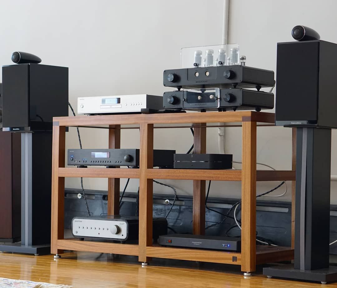 One Big Happy Family Bowerswilkins Speakers Peachtreeaudio Amp  # Meuble Tv Amplifier