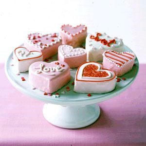 No-Bake Mini Heart Cakes