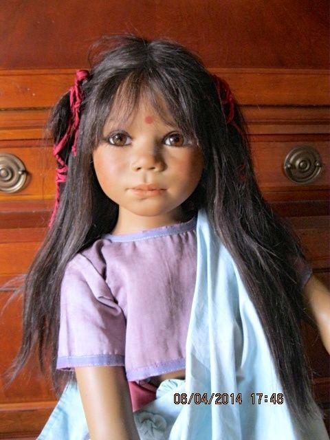 RARE 2005 ANNETTE HIMSTEDT KAVIDA DOLL WORLD'S CHILDREN SUMMIT COLLECTION