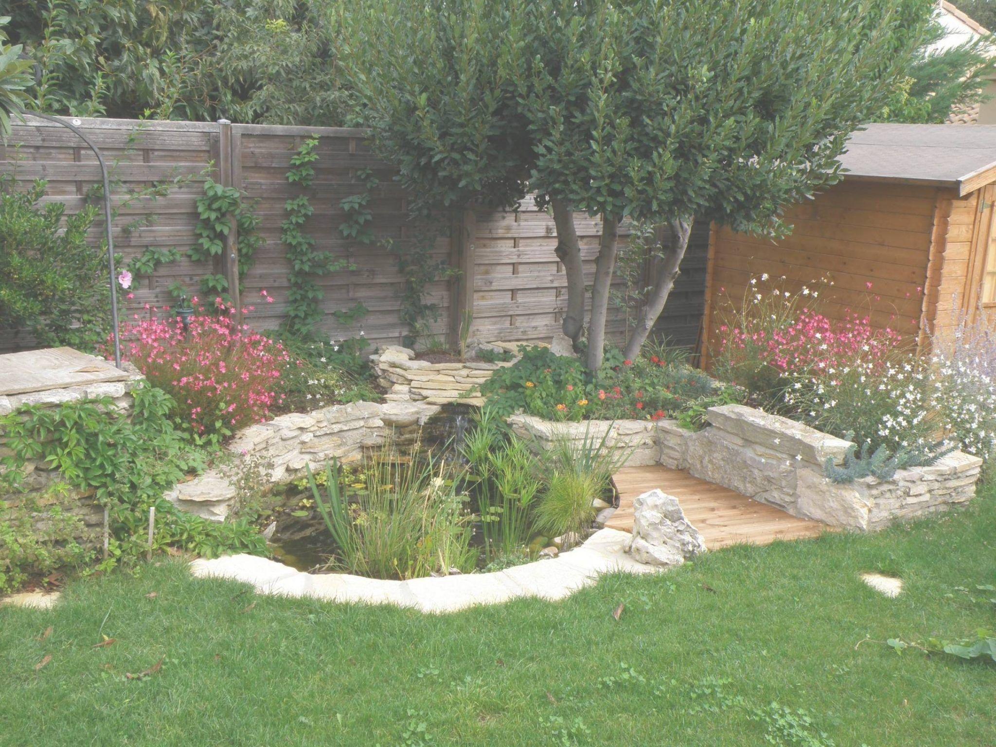 Decoration Etang De Jardin | Plantes Dans Le Bassin De Jardin ...
