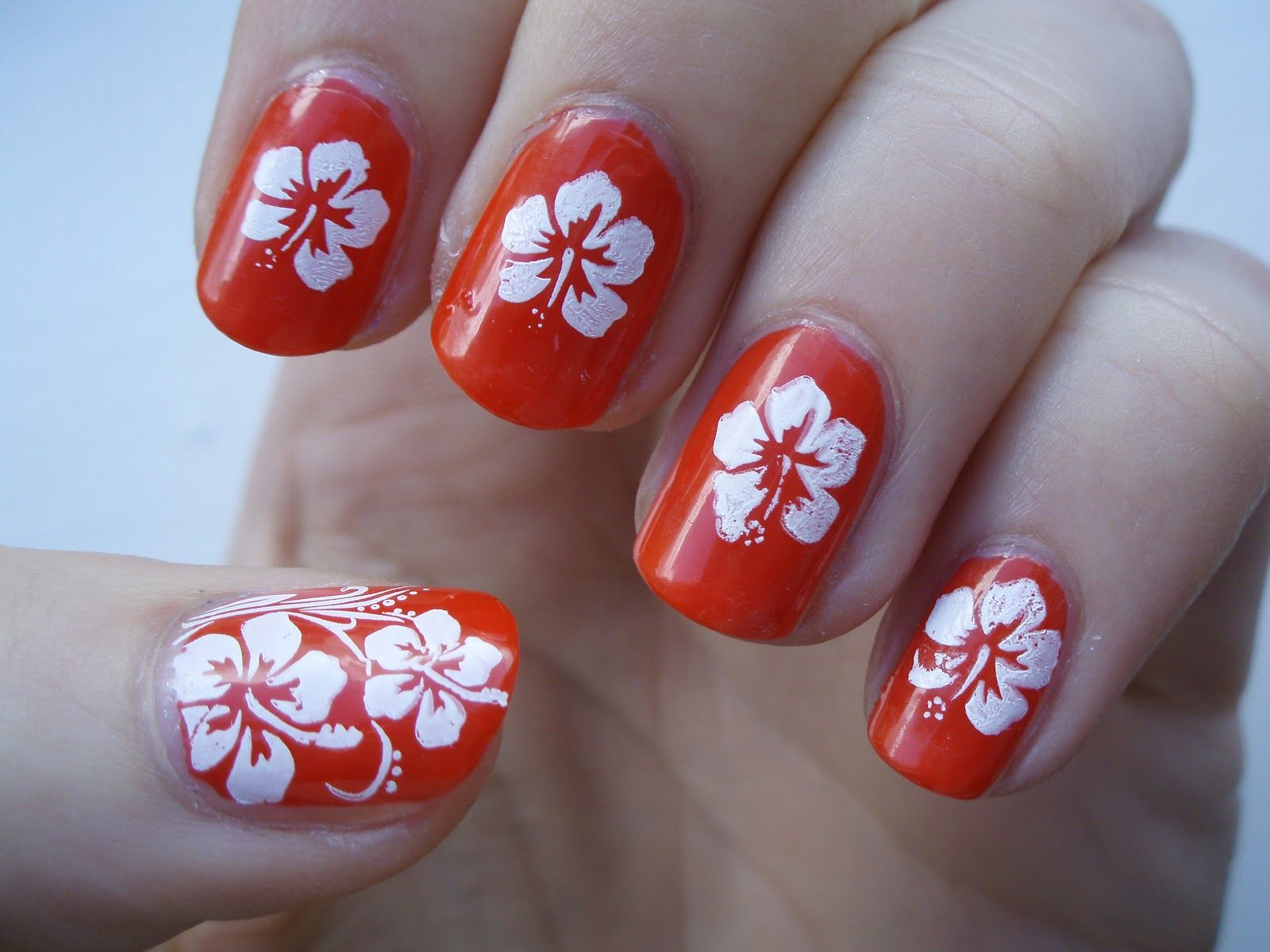 nail+art+flower+designs | Hibiscus Flowers Nails Designs. | beauty ...