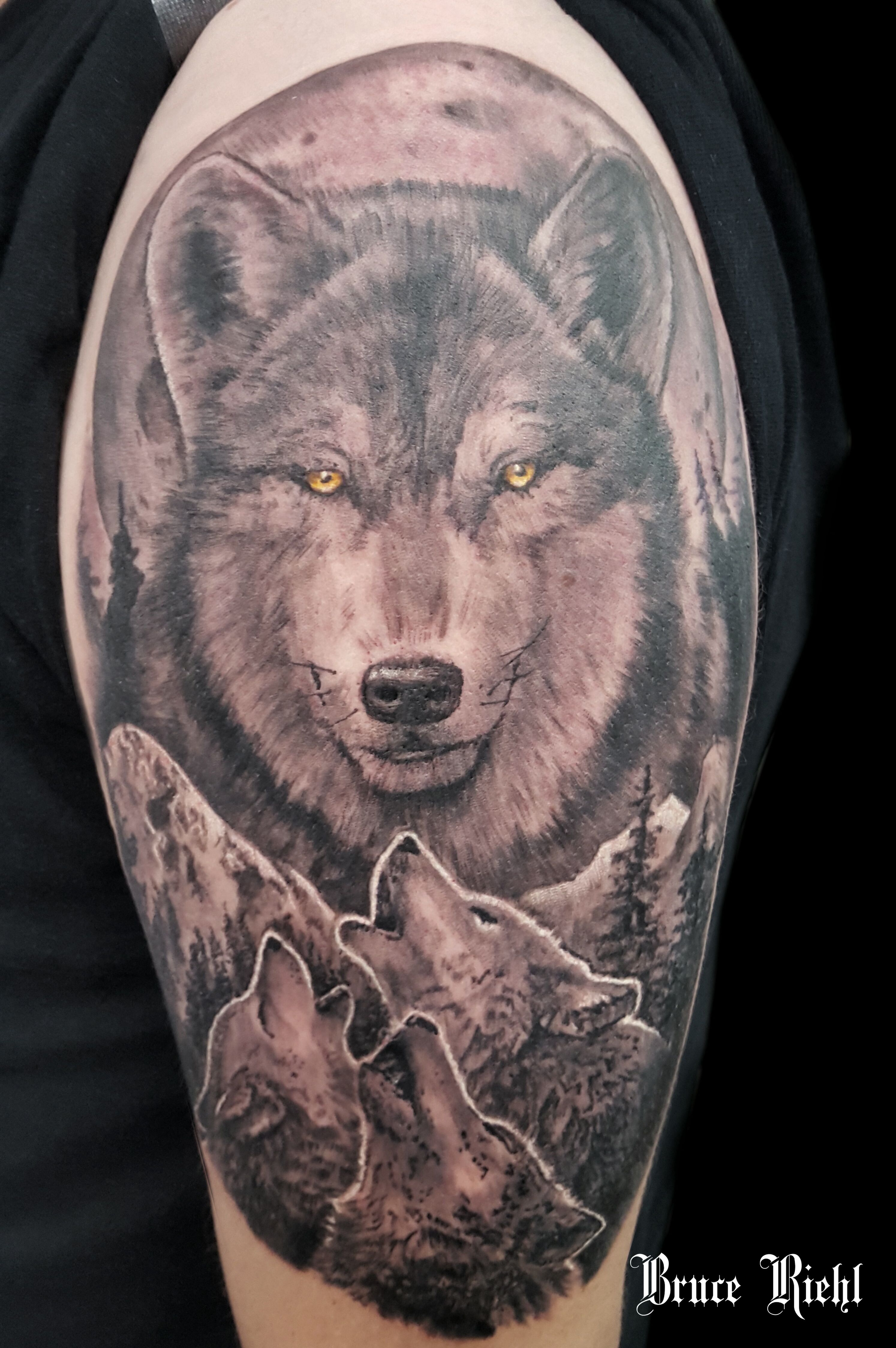 Black and grey wolf shoulder tattoo by Bruce Riehl ... - photo#13