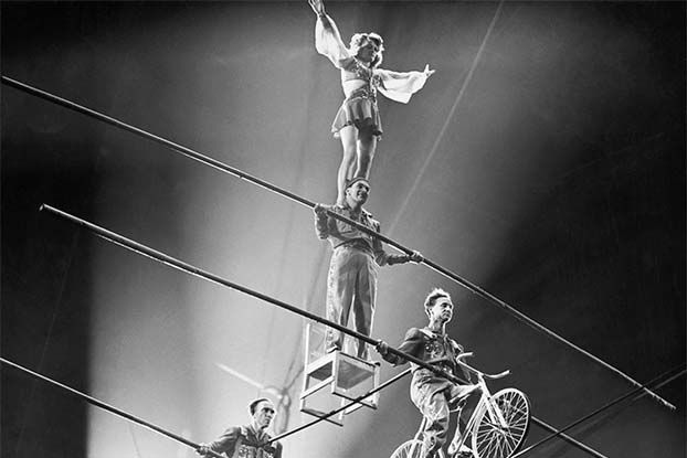 The Flying Wallendas perform a four-person pyramid in the 1940s.