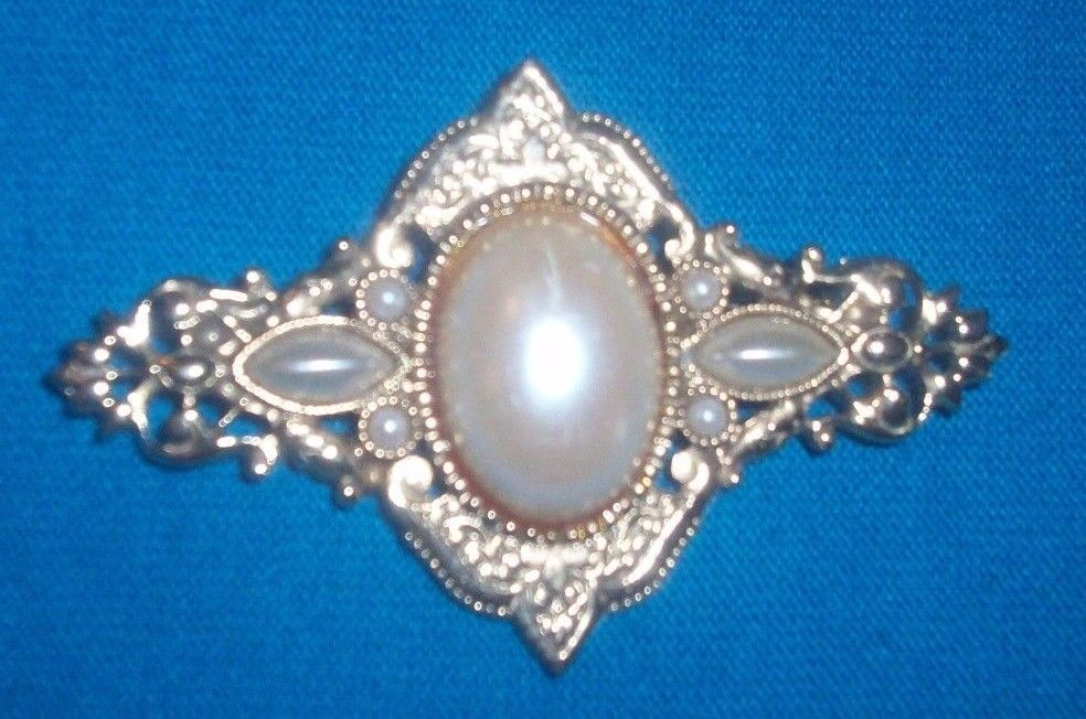 Gold colored filigree metal imitation pearl Brooch Pin NR  #Unbranded