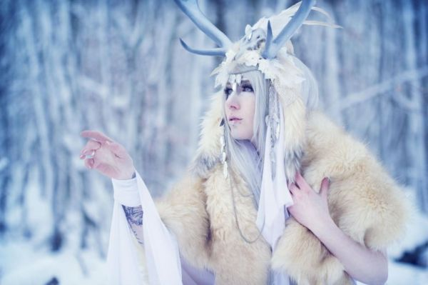 A Really Cool Collection Of Wintry Cosplay Photos - Neatorama