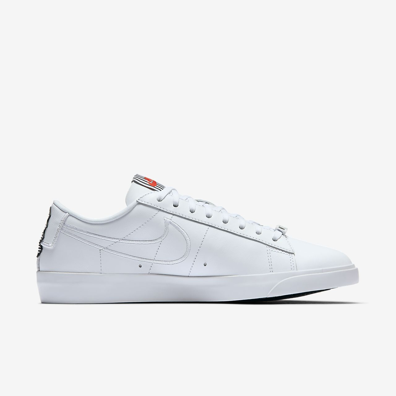 Nike Blazer Low SE LX Women s Shoe  787966a52e