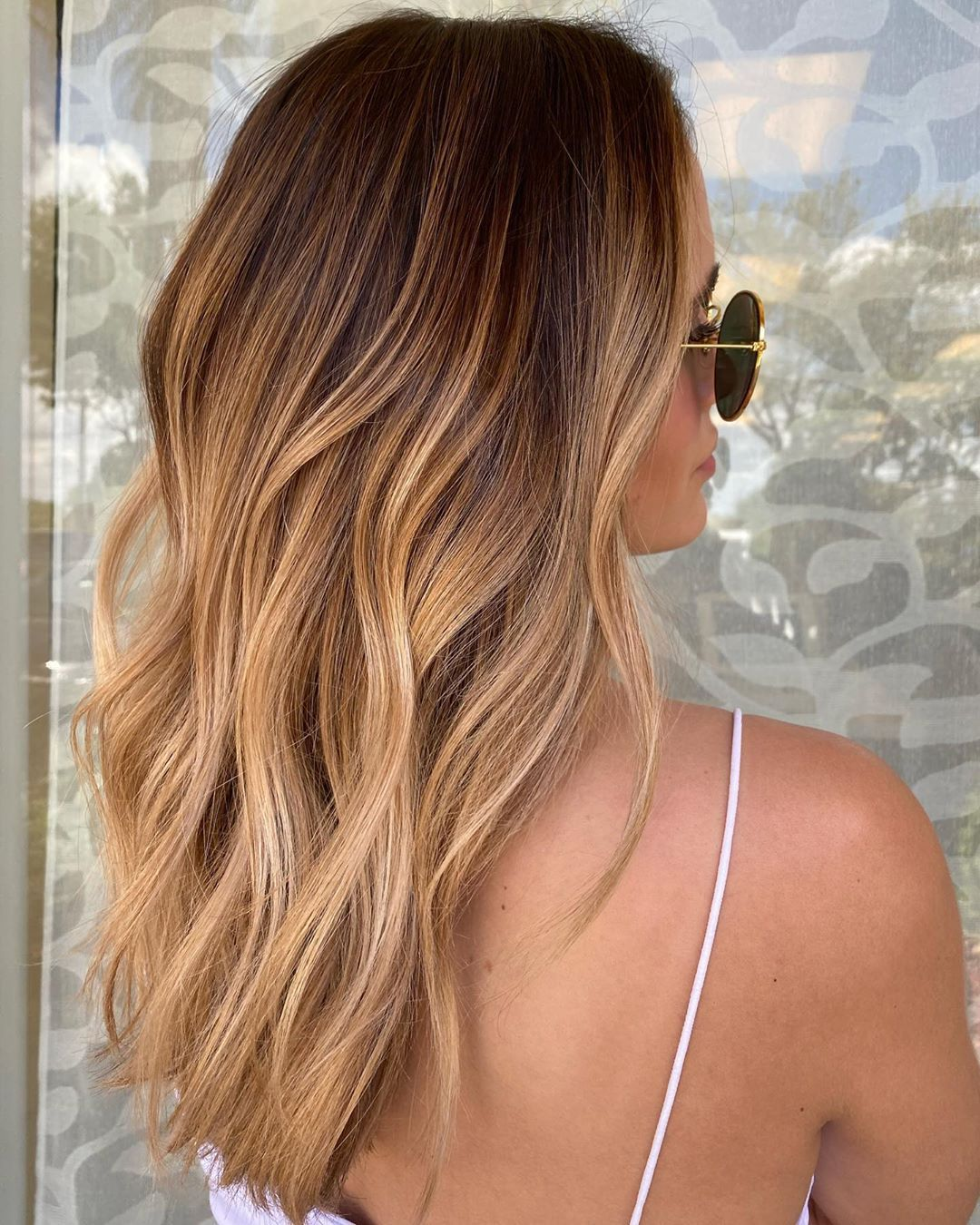 """Mallery Share's Instagram profile post: """"Brunette with a honey blonde balayage. Perfect balance of warm and neutral tones 😎☀️ SUN-KISSED"""" -   18 hair Brunette honey ideas"""