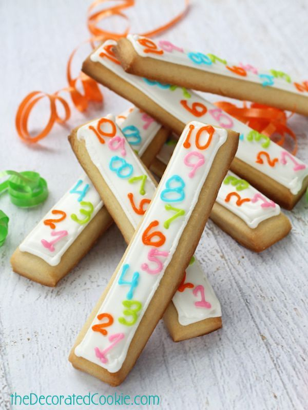Year s Eve dinner ideas for kids that we like too Too cute Countdown Cookies for New Year s Eve Our kids would love these and they re so easy  The Decorated CookieToo cut...