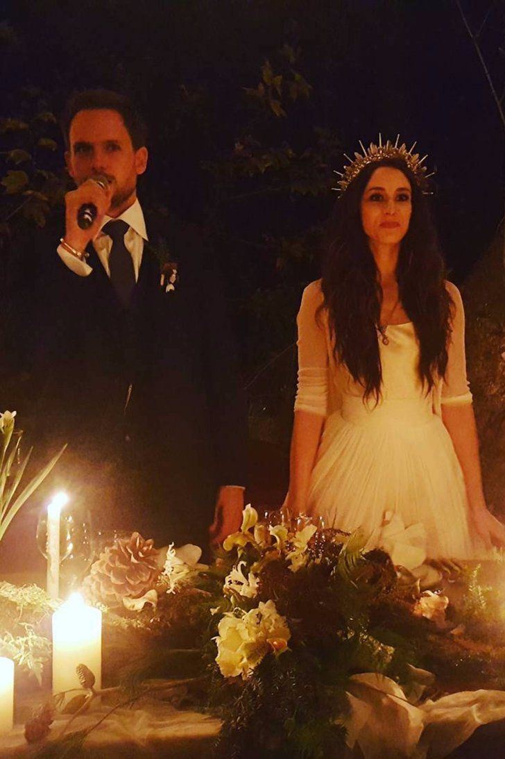 Pll S Troian Bellisario Marries Patrick J Adams