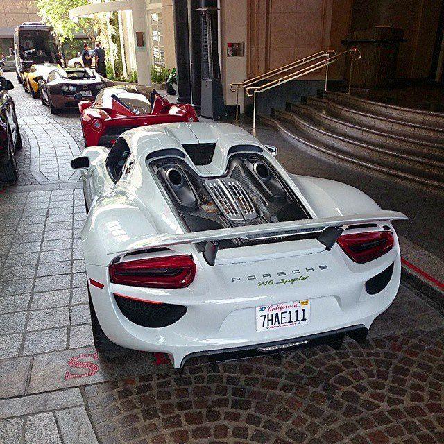Wow Supercars Lined Up Porsche Ferrari