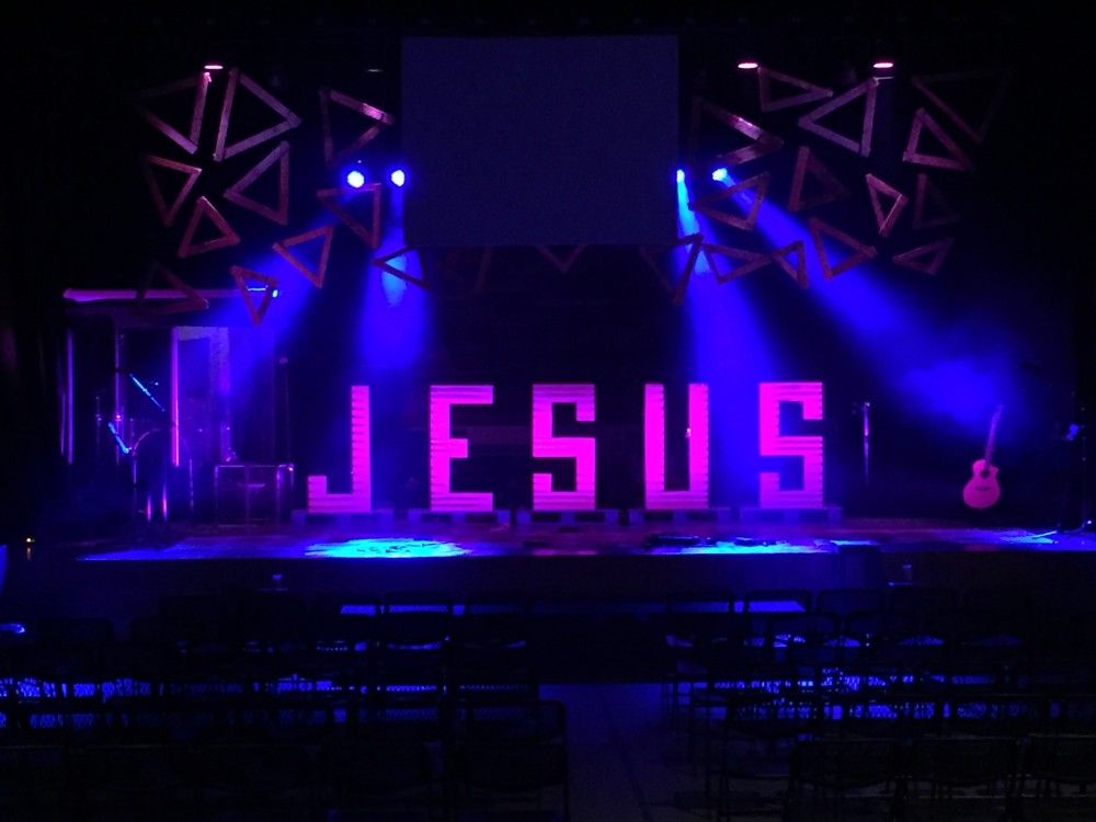 Scenic Sets And Stage Design Ideas From Churches Around The Globe
