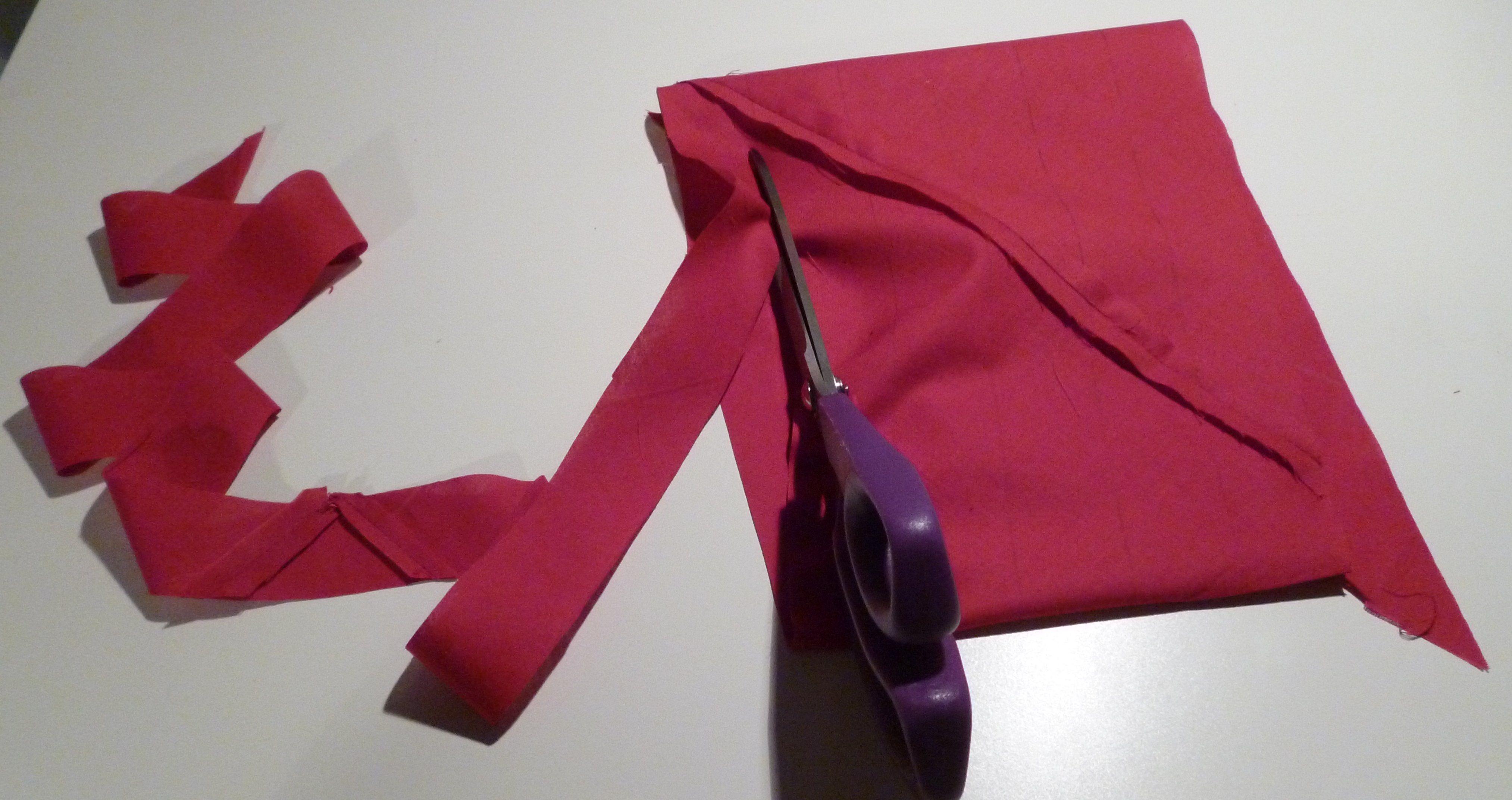technique r aliser un biais continu dans un minimum de tissu couture biais couture et. Black Bedroom Furniture Sets. Home Design Ideas