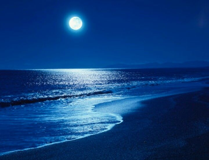 A Late Night Walk On The Beach Under A Beautiful Full Moon 3 Beautiful Moon Full Moon Night Skies
