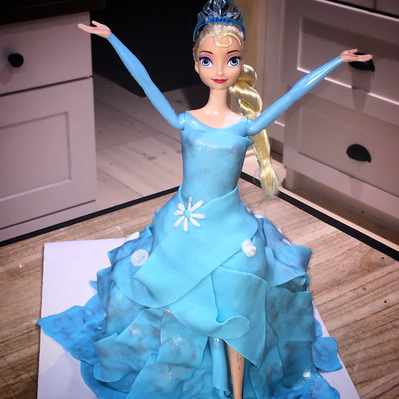 Elsa Barbie cake!