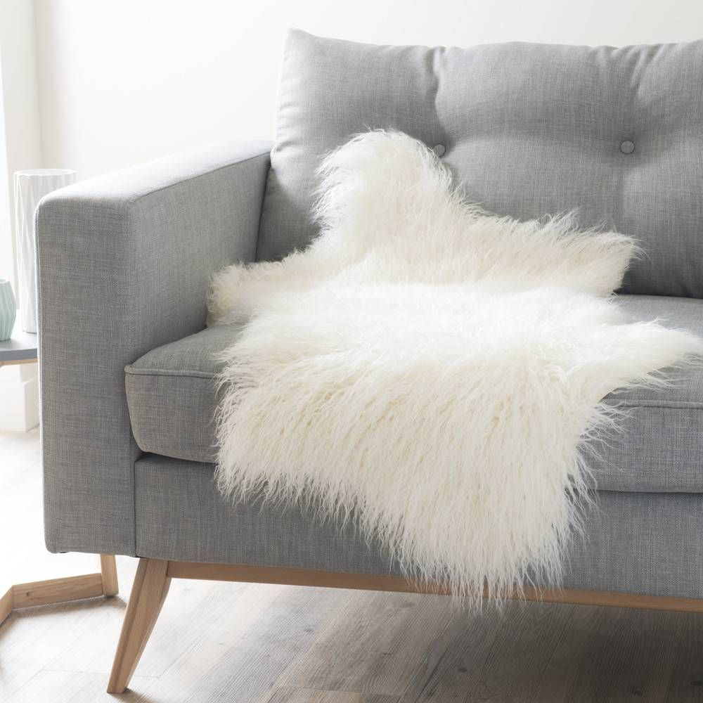 Jete De Canape Maison Du Monde Jete En Fausse Fourrure Blanche 50 X 90 Cm Furis Jete De Canape Maison Du Monde Deco Ete 2012 Nos In 2020 With Images Soft Furnishings Faux Fur Throw