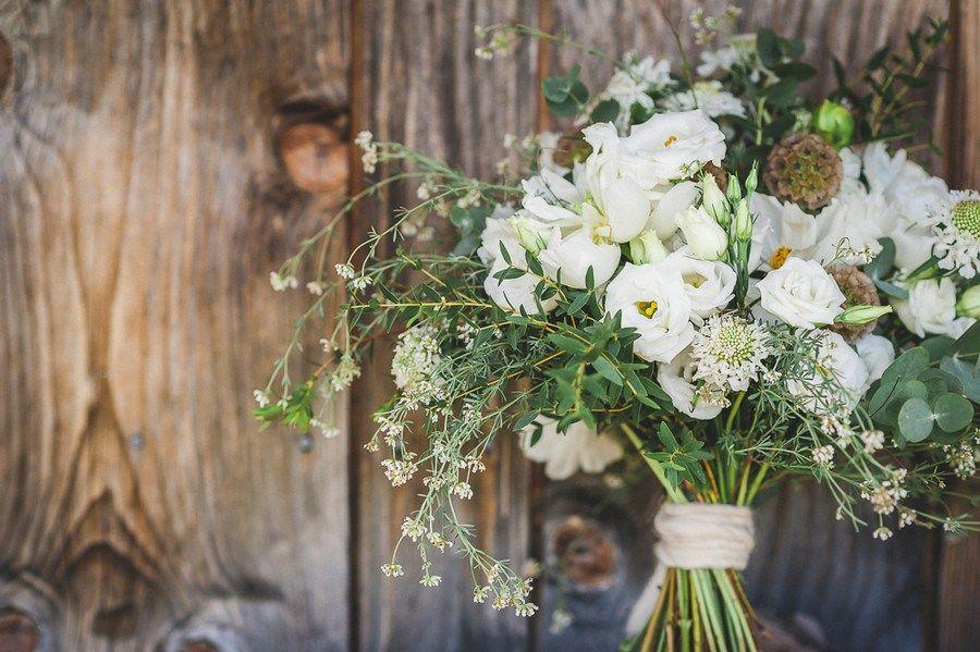 Hochzeit Zu Zweit Elopement Im Boho Stil Auf Dem Wallberg Wildblumen Hochzeit Blumenstrauss Hochzeit Hochzeit