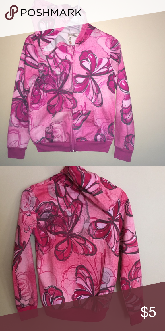 Fun butterfly sweatshirt Butterfly sweatshirt.NWOT. Not super thick but solid. Large 14/16 Route 66 Shirts & Tops Sweatshirts & Hoodies