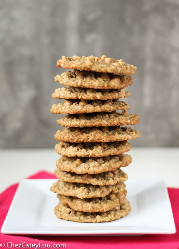 Oatmeal Peanut Butter Chip Cookies   ChezCateyLou.com