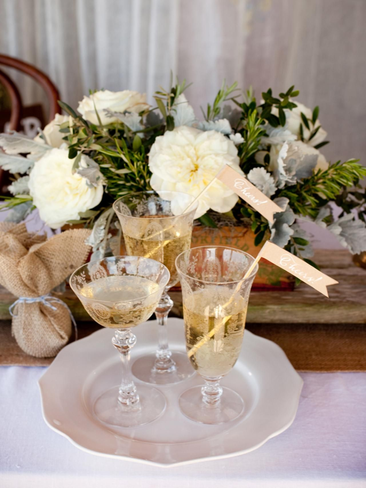 Rustic wedding decorations you can make rustic style diy save money on your wedding decor with country and rustic style decorations you can junglespirit Image collections