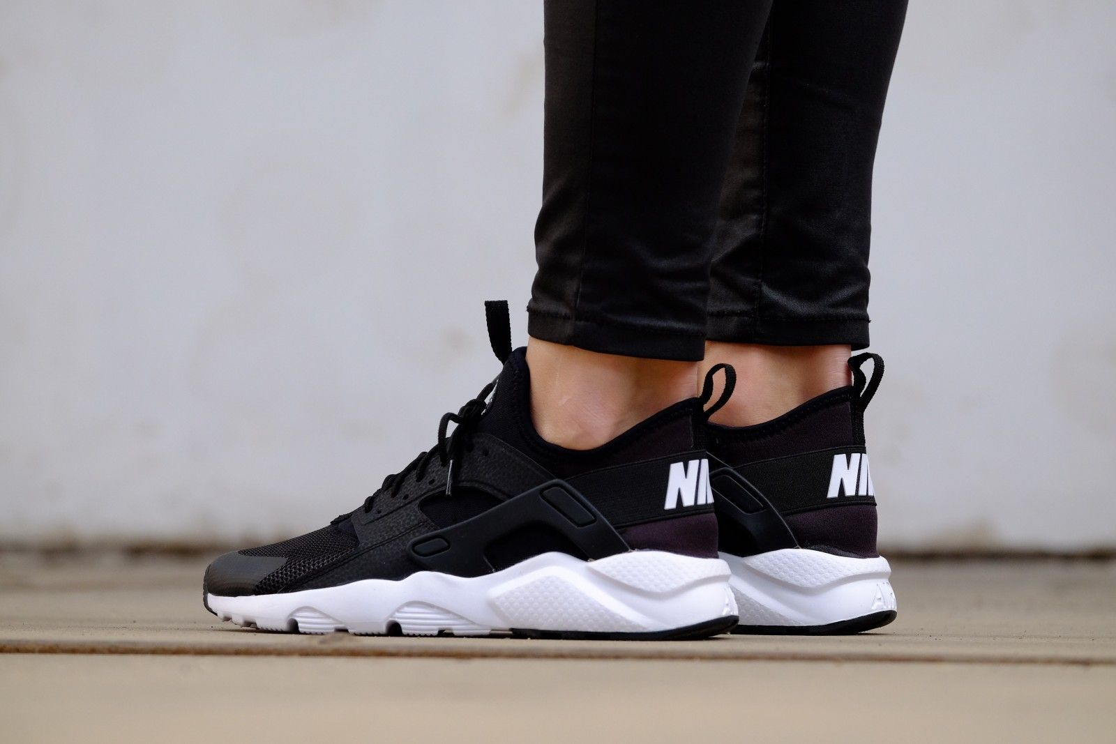 uk availability 88450 a5117 Nike Air Huarache Run Ultra GS Black  White - 847569-002