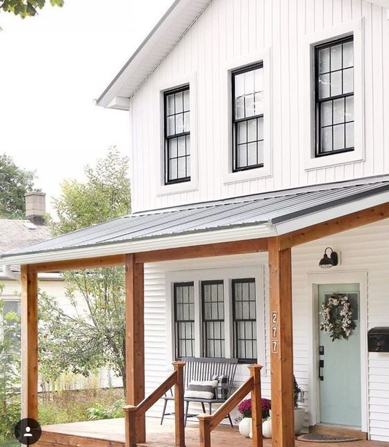 Top 10 White Farmhouse Exteriors #sideporch