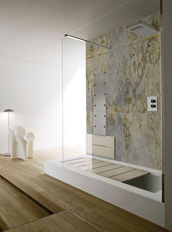 Area doccia con pannello fisso in Cristallo temperato Tasparente; soffione doccia da fissaggio a ...
