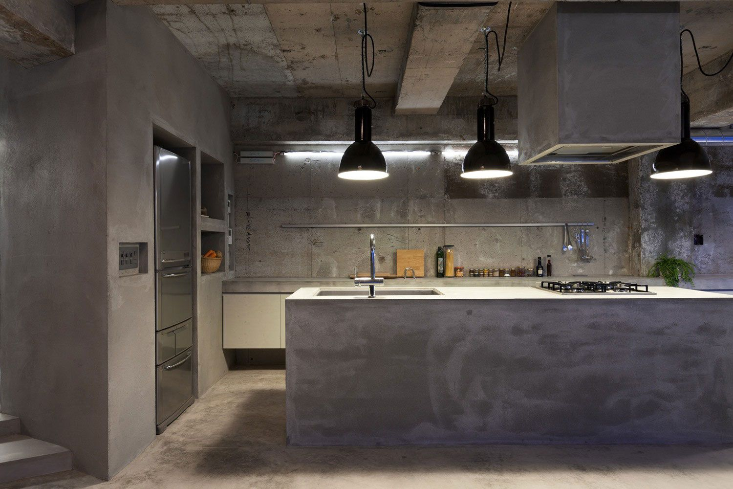 Concrete House With Raw Beauty And An Eye For Fashion Pinterest