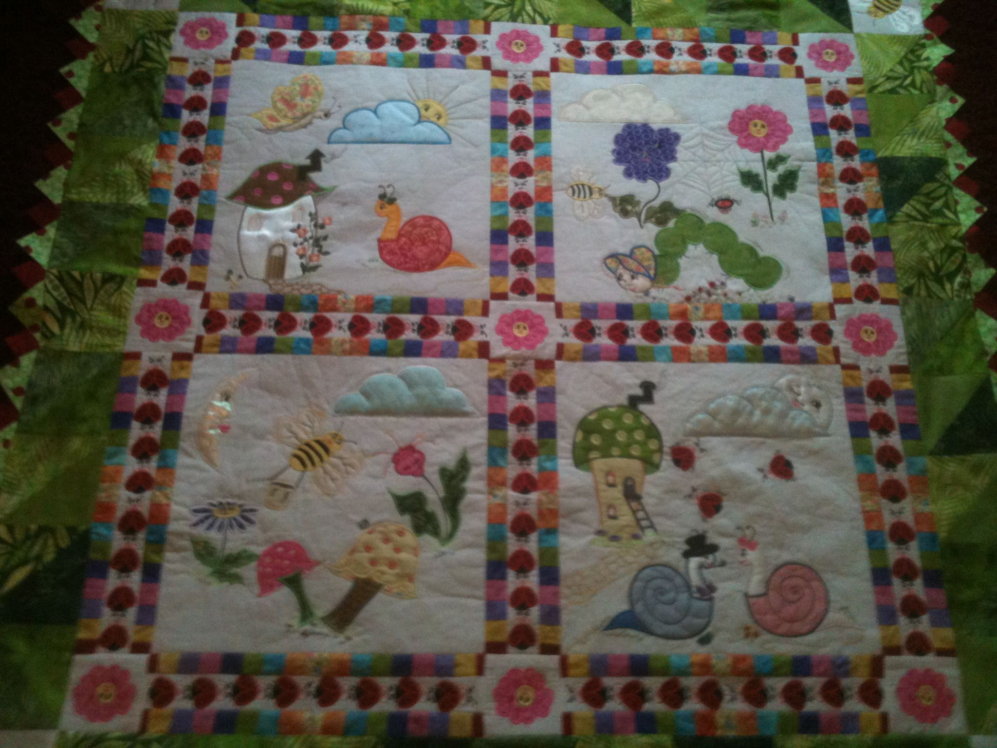 This Is My First Quilt The Design Is A Jenny Haskins Design Called Harvey S Garden This Project Is A C Machine Embroidery Quilts Machine Embroidery Designs