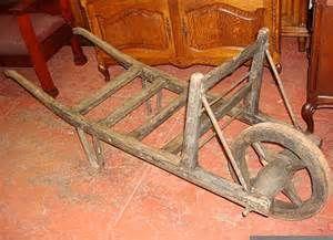 Antique Wheelbarrows Bing Images Brouette Bois Peinture