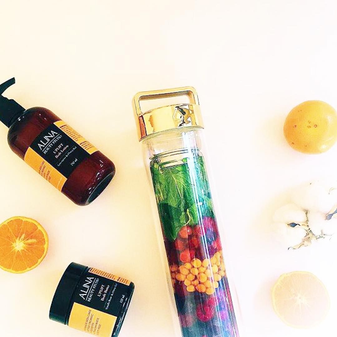 Add your favourite fruit to your DROP bottle to create your own Detox Water  #DROPbottle // Australia & International Shipping: www.dropbottle.co