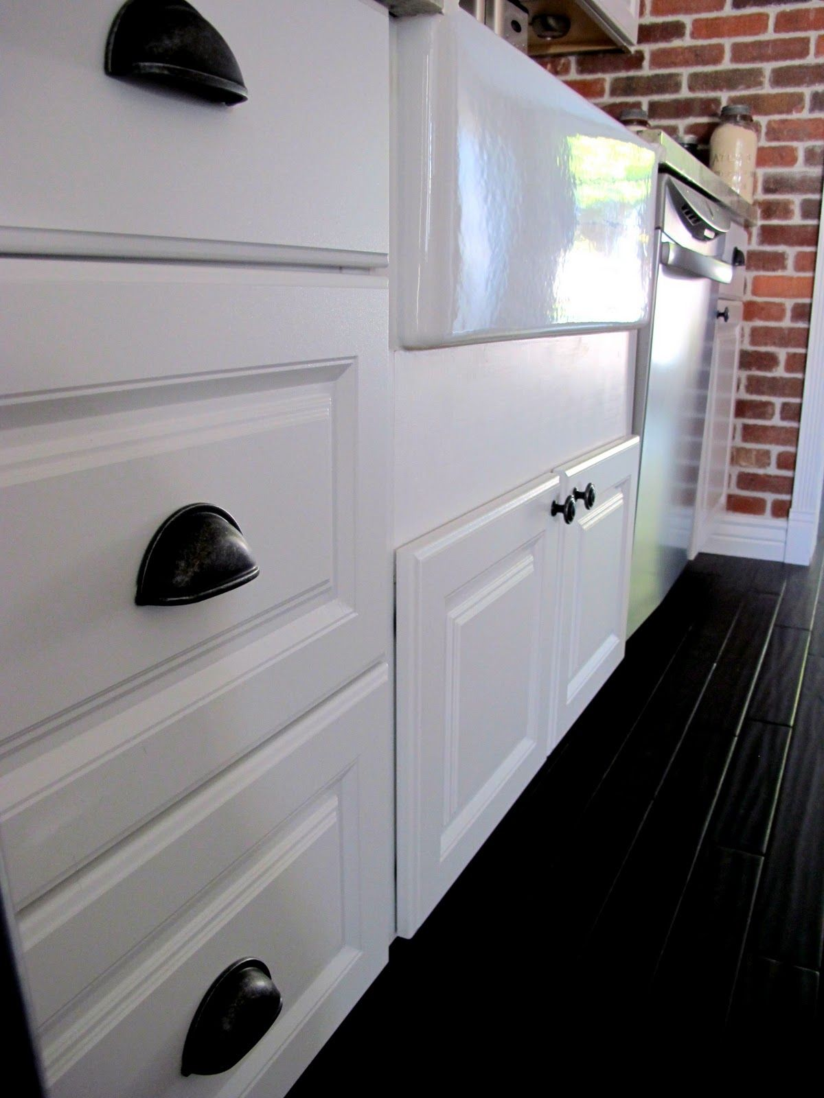 How To Install Cabinet Hardware......And How Not To Install Cabinet ...