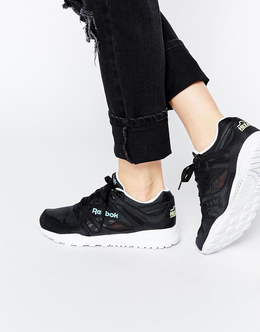 image 1 reebok ventilator baskets noir et bleu sneakers pinterest asos. Black Bedroom Furniture Sets. Home Design Ideas