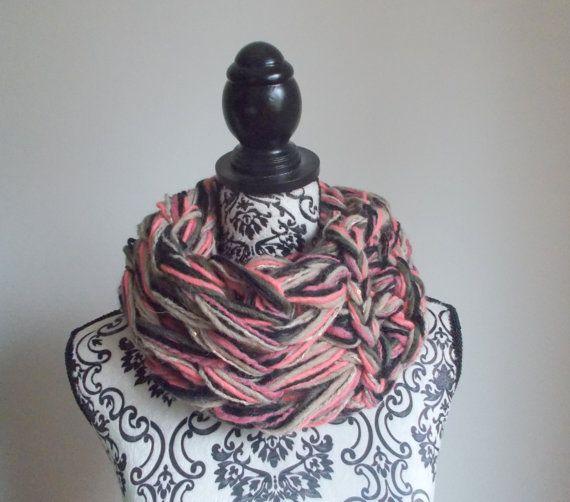 Sciarpa infinity arm knitting di Armonieinlilla su Etsy