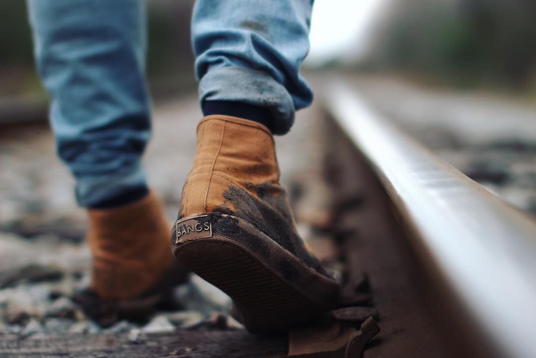 // getting muddy is worth it @xavier.curl #livebangs #muddy #shoes #traintracks #explore #neverstopexploring #rie1440project #adventure #canon #canon_official by zacharykolk