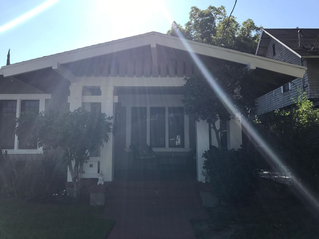 Cozy 2 Bed 1 Bath Bungalow In Heart Of Pasadena Beautiful 2 Bedroom Bungalow In Remodeled Historic Craftsman Home On A House Rental Vacation Rental Pasadena