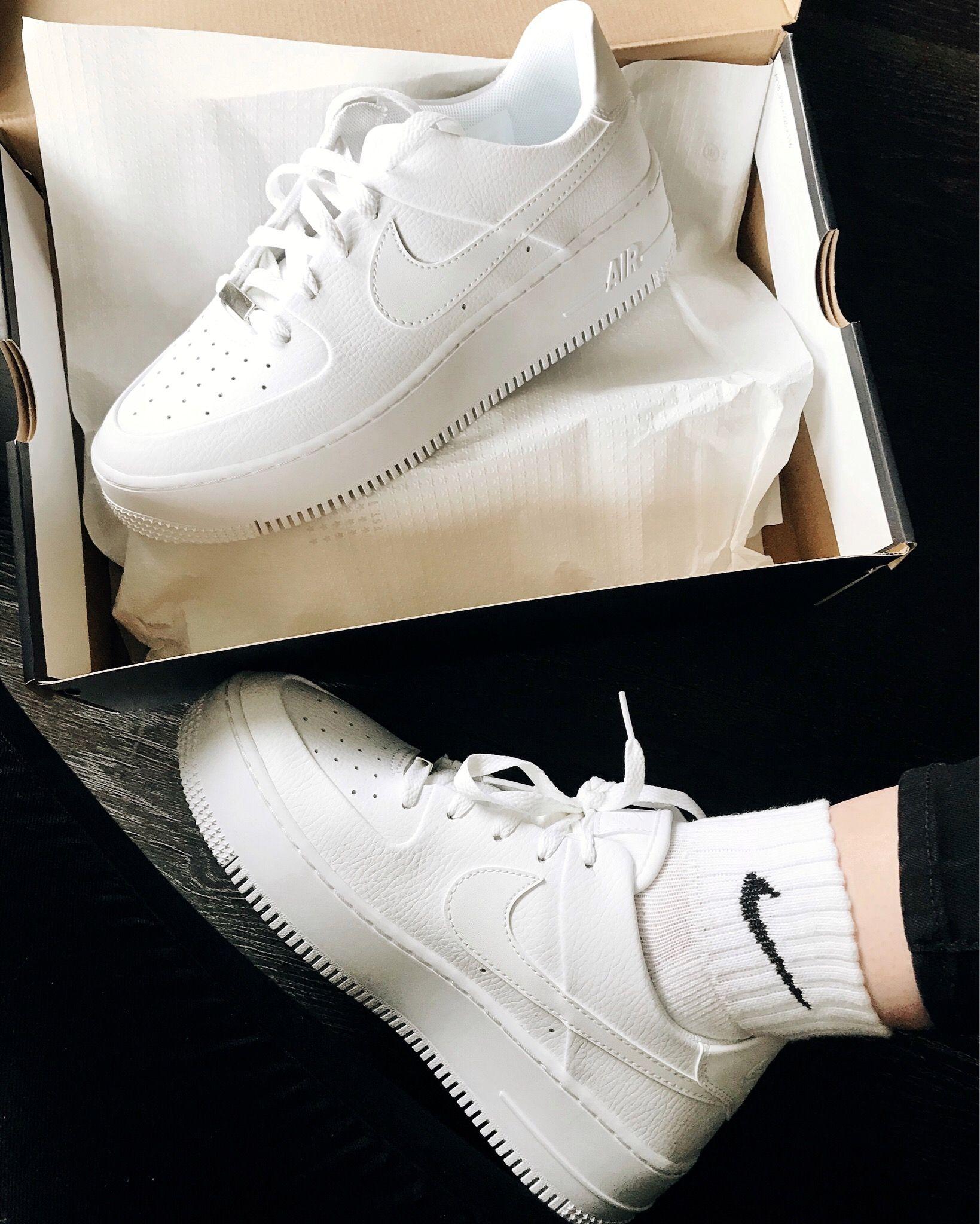 Nike Air Force 1 Sage | Nike socks