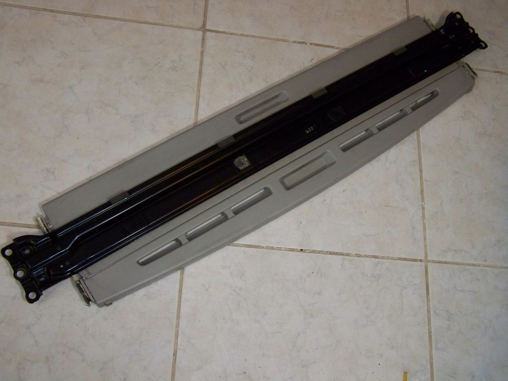 0510 TOYOTA SCION TC PANORAMIC SUNROOF SLIDE SHADE VISOR