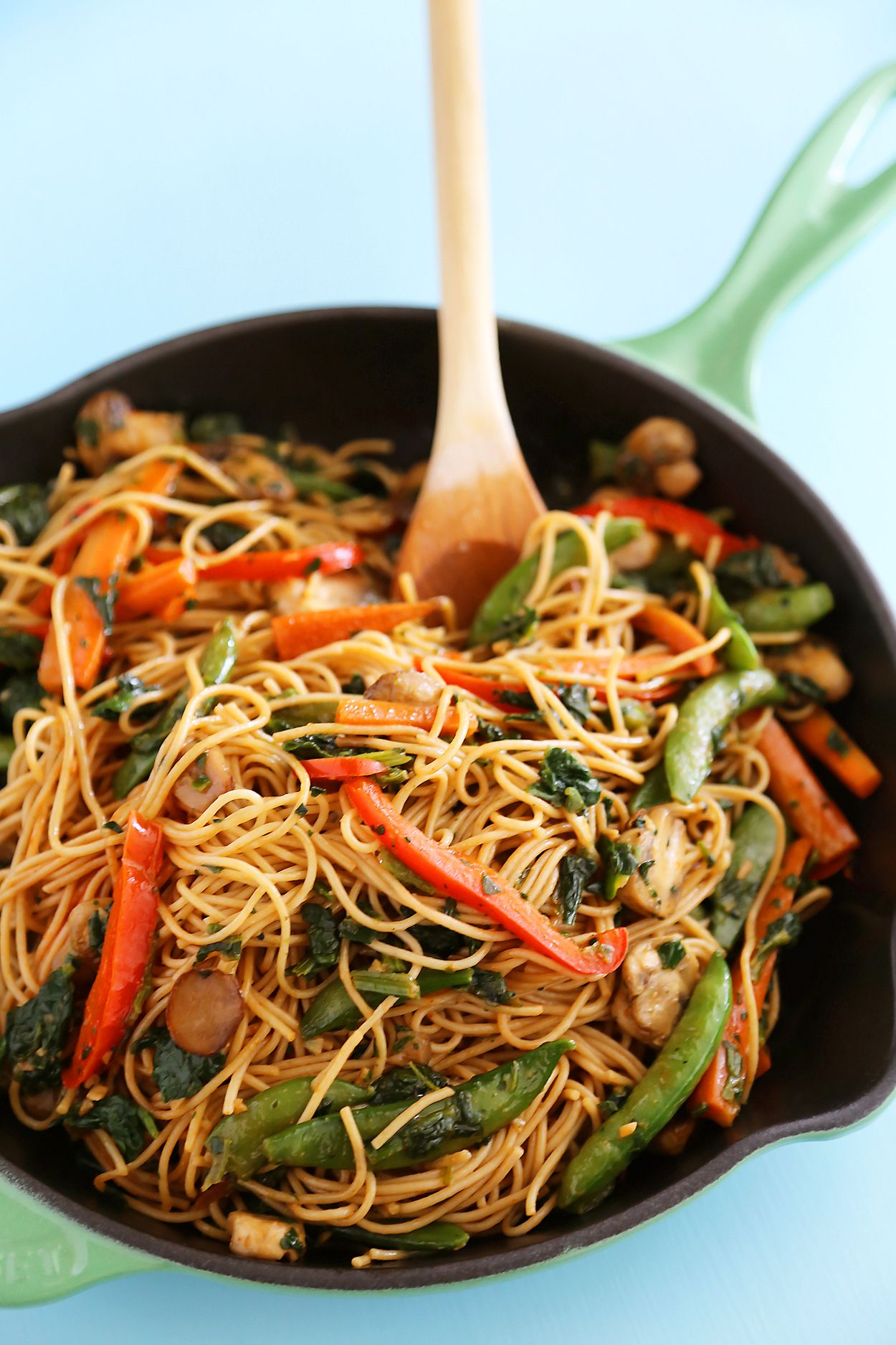 Easy Vegetable Lo Mein – Just like your favorite takeout noodles, but healthier! Thecomfortofcooking.com