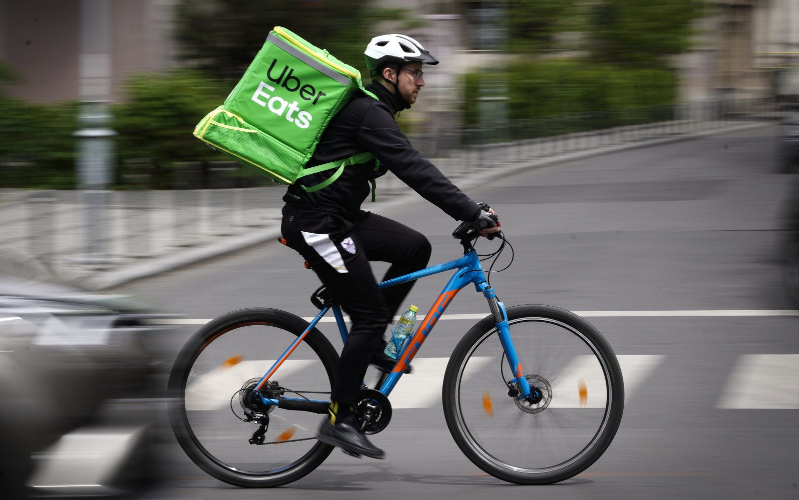 As the online food delivery market in india goes hyper