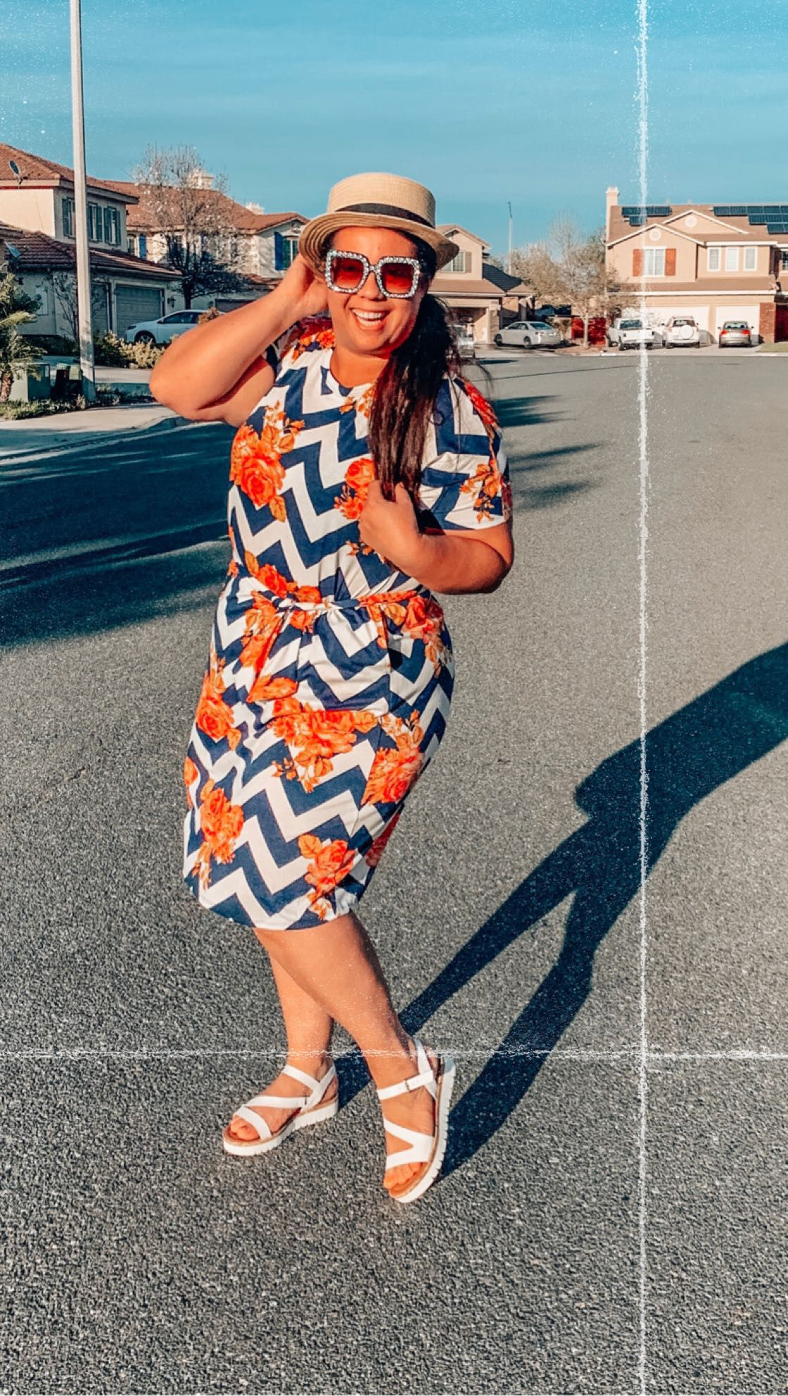 Example of styling a lularoe marly dress on a plus size figure ...