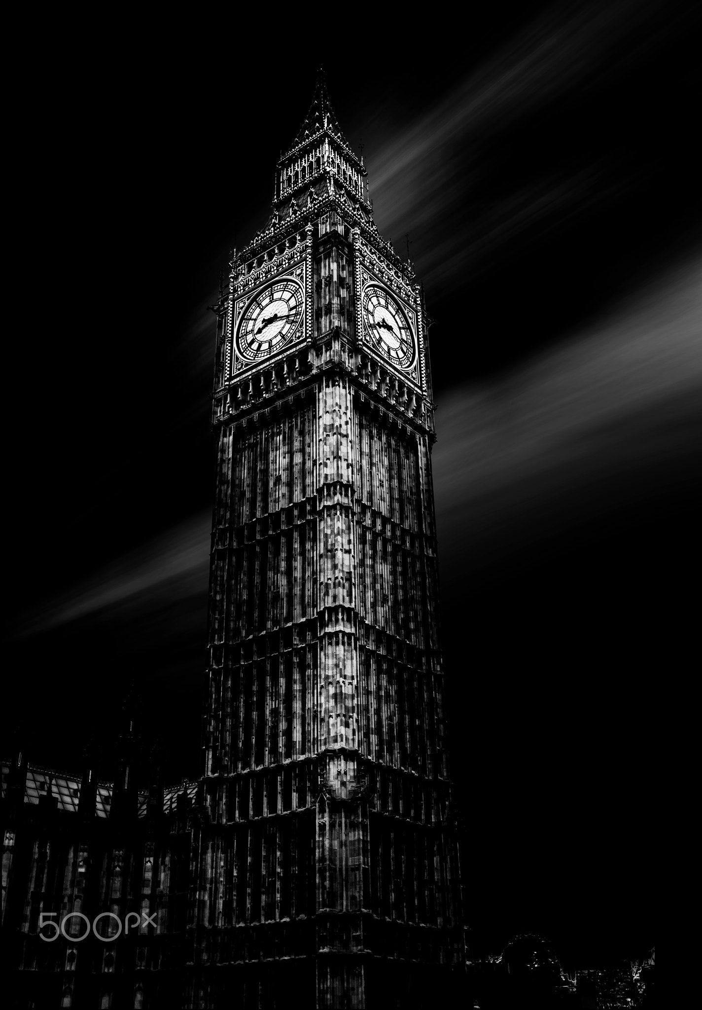 Old London - Big Ben London - City of Westminster, UK Photo: Jackson Carvalho www.artedigitalstudio.com..br 2016, All Rights Reserved better viewed in black background