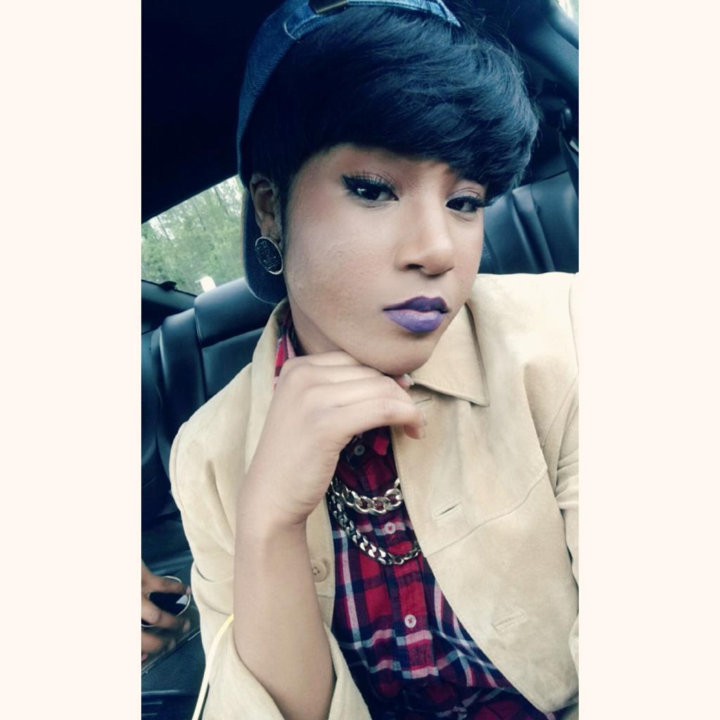 Pin by Chucci on Ti ️   Taylor girlz, Mirror selfie, Selfie