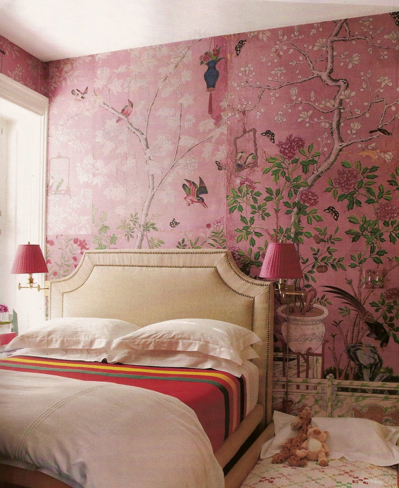 Romantisches schlafzimmer interieur pink chinoserie i donut really like pink enough to do walls in it