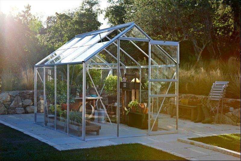 Une serre de jardin http://www.m-habitat.fr/abri-de-jardin/les-types ...