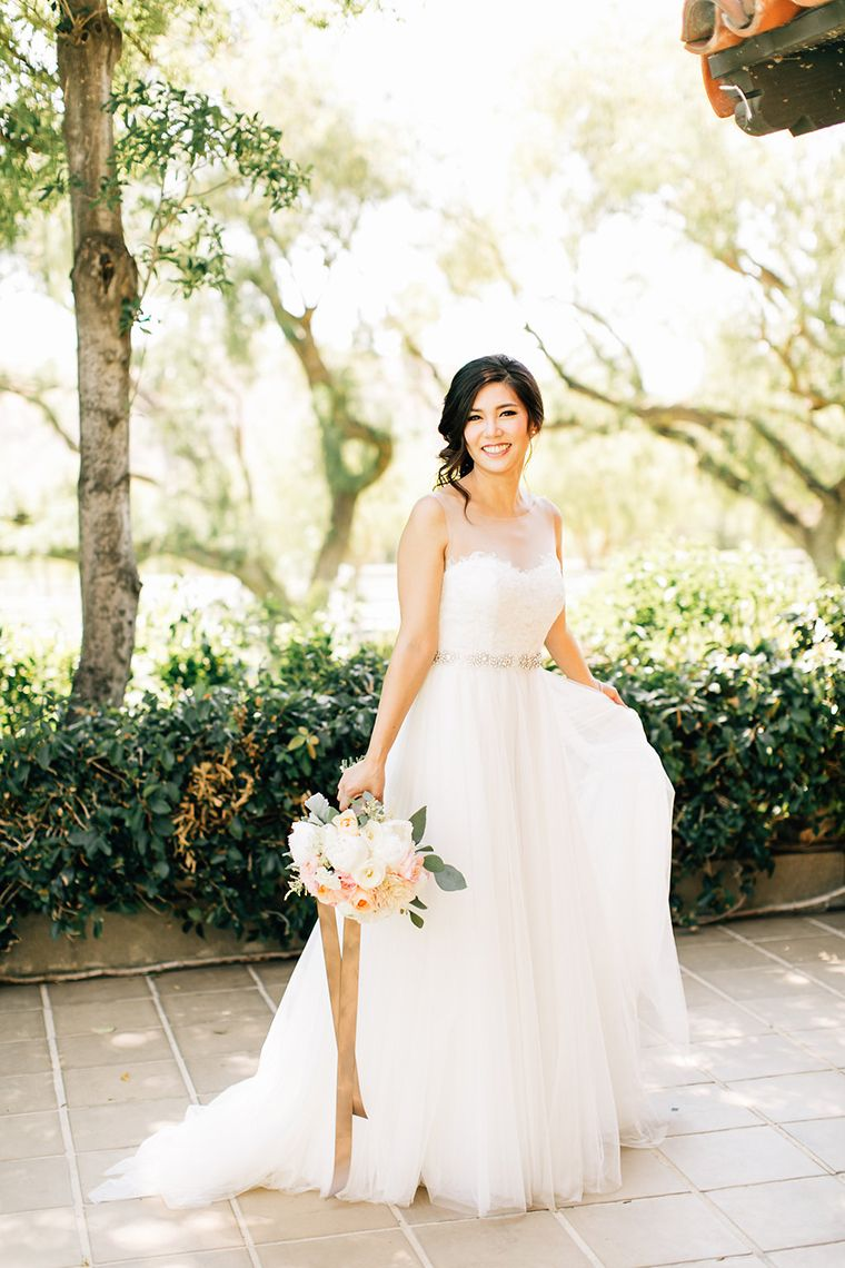 summer-esque wedding at the hummingbird nest ranch. photography by ...